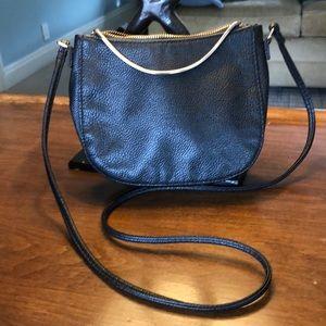H&M Cross Body Bag 🔑🕶